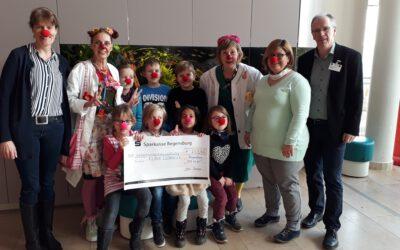 Spendenübergabe bei den Klinik Clowns
