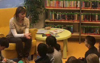 Die Klasse 2g zu Besuch in der Stadtbücherei Süd